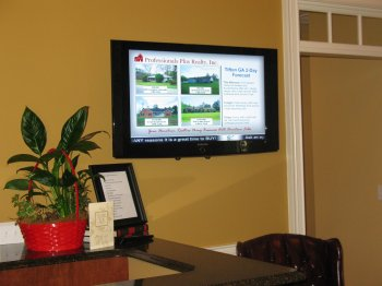 Pro Plus Realty showing House Listings
